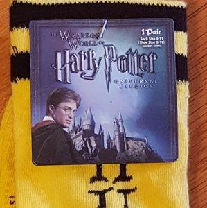 Harry Potter HUFFLEPUFG socks. NWT
